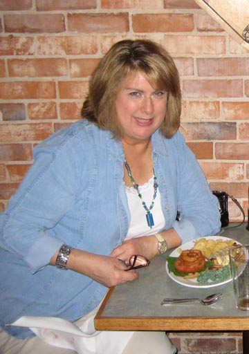 Julia fat in 2007 at restaurant.jpg